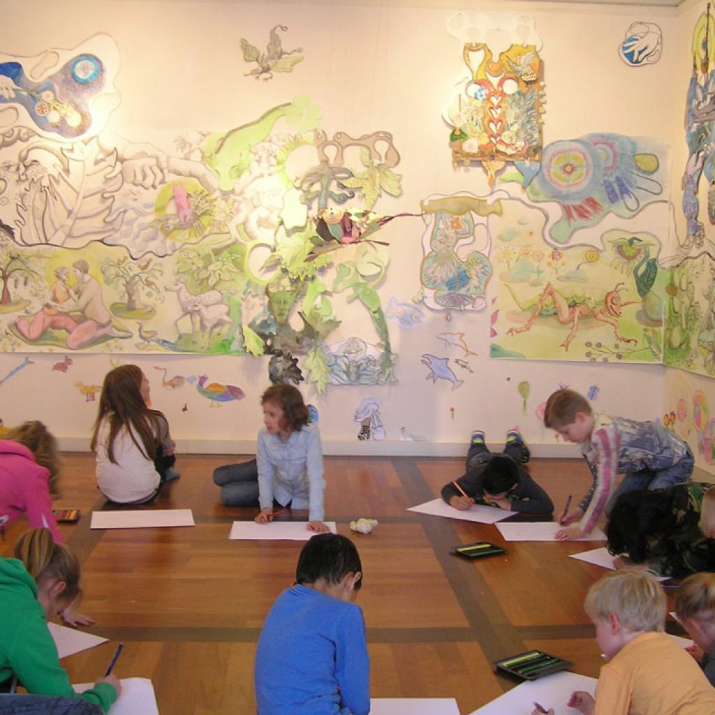 b.-Kinderen-aan-het-werk