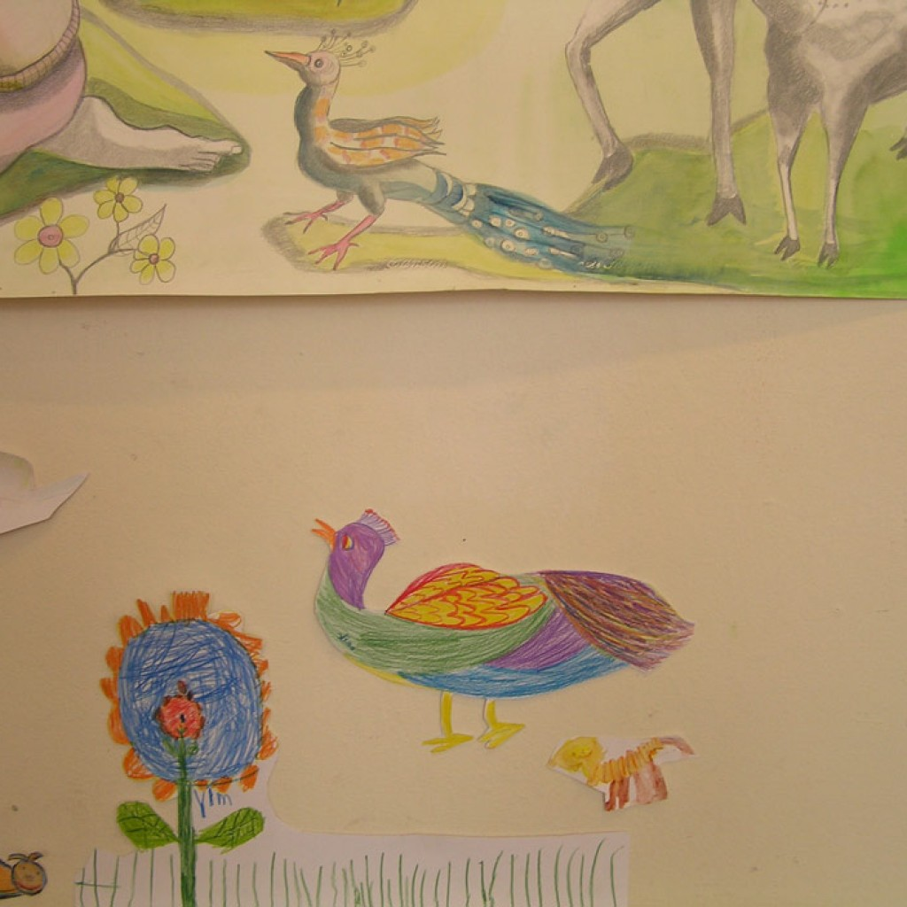 e.-Kindertekeningen-vullen-kunstwerk-De-Schepping-aan