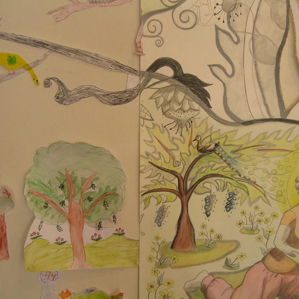 f.-Kindertekeningen-vullen-kunstwerk-De-Schepping-aan
